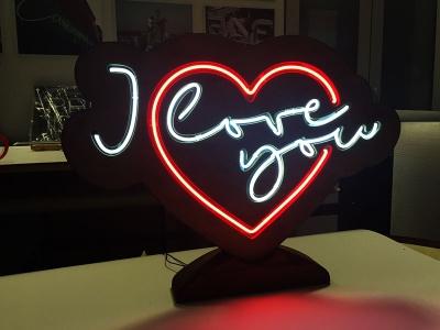Лампа сърце от неон