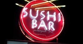 "Светещ неонов тотем ""Sishi bar"" Слънчев бряг"